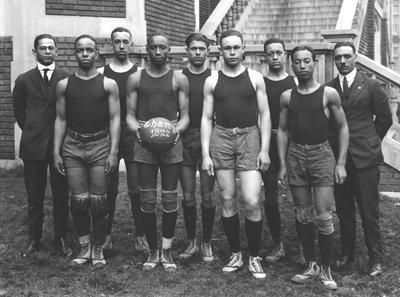 Dunbar High School basketball team, 1922